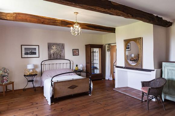 Domaine De La Liberte, French Country Cottage in Esparron and Haute-Garonne. Bedroom 3.