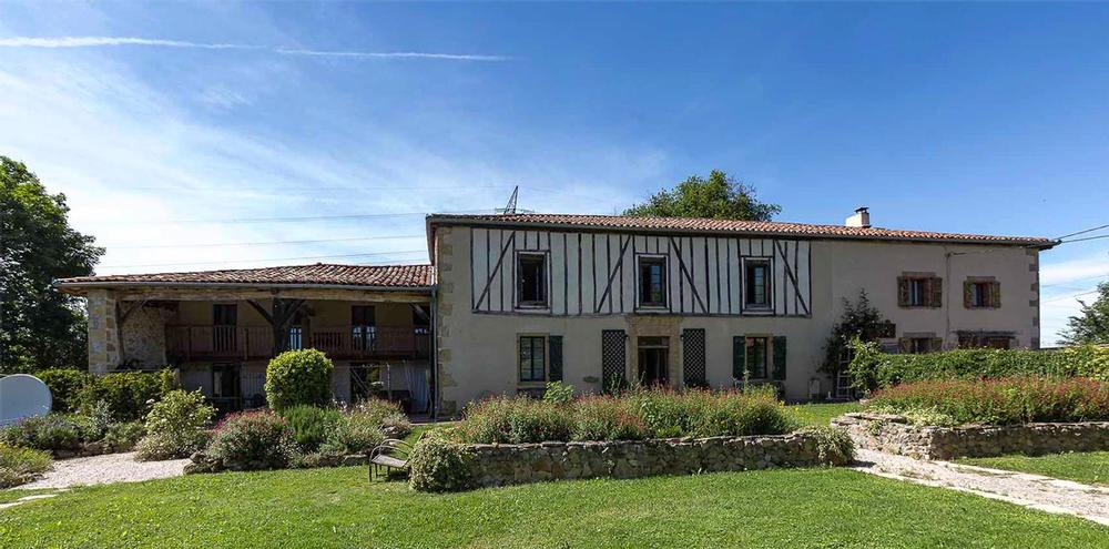 Restored farm house in French countryside. Country cottage in Haute-Garonne. Family holidays.